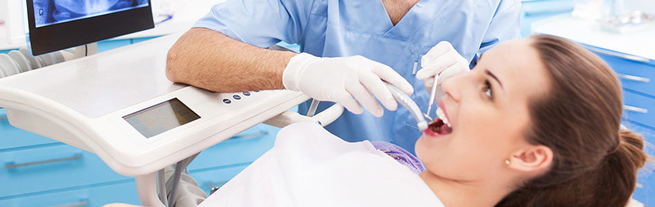 What Is The Oral Surgeon Dentist Difference?